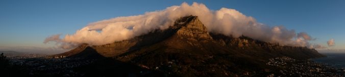 The Table Cloth smothers Table Mountain at sunset