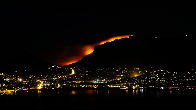 12 Apostles Fire - Table Mountain - October 2018 - Justin Hawthorne - Hout Bay
