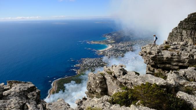 12 Apostles Fire - Table Mountain - October 2018 - Justin Hawthorne