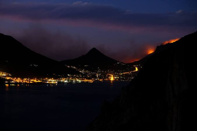 #12ApostlesFire - Hout Bay Night 02